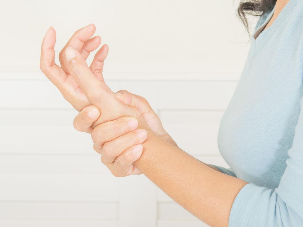 Les bons gestes pour assouplir ses poignets