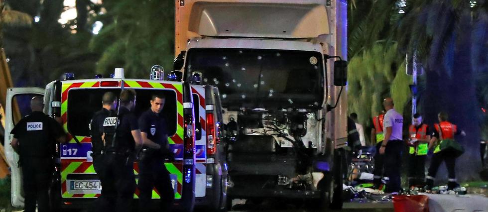 Attentat à Nice : le monde du sport rend hommage aux victimes