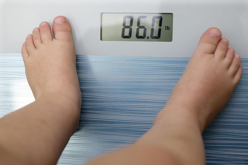 L'obésité dans l'enfance augmente le risque d'arthrose du genou et de la hanche