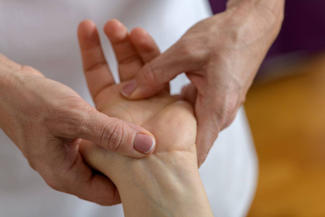 Kinésiologie : quels maux soulage-t-elle ?