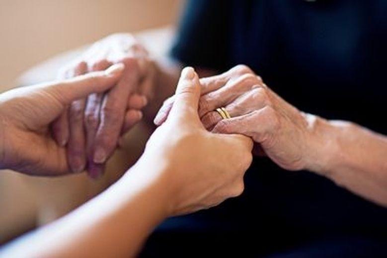 Fin de vie: un sédatif bientôt disponible pour les soins palliatifs à domicile